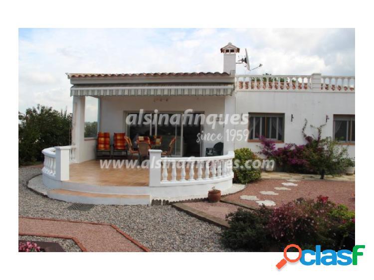 Magnifica casa en Lloret Blau con jardin y parking con gran