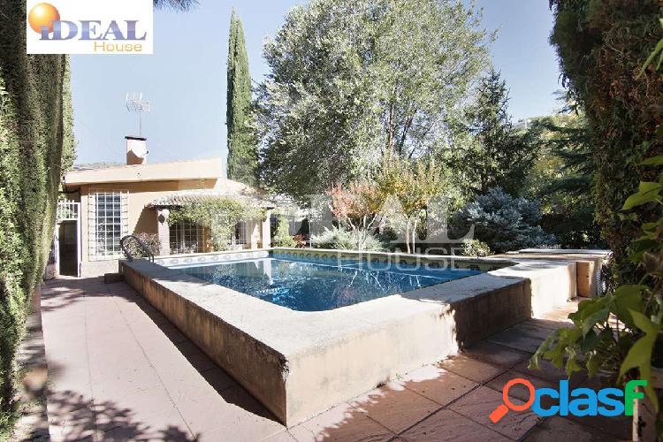 Ref: A4363J1. Chalet en una planta, con piscina y parcela de