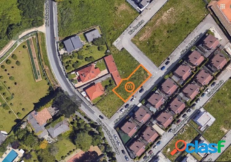 Venta de parcela en Oleiros, A Coruña, calle Dulzaina