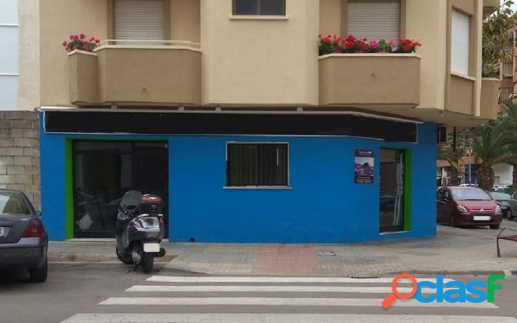 Alquiler de local comercial en zona de paso en Dénia