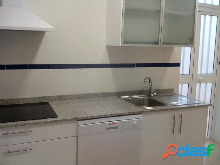 Bonito piso de 3 habitaciones y 1 baño (SIN AMUEBLAR)
