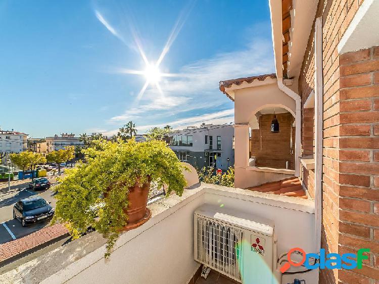 Casa en venta de 137 m2 en Calle Sant Salvador en Roda de