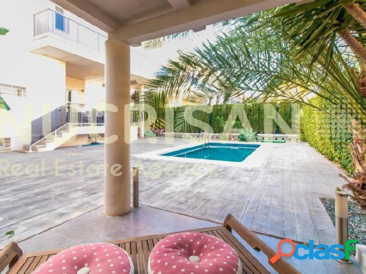 Chalet adosado diseño moderno con piscina en Mutxamel