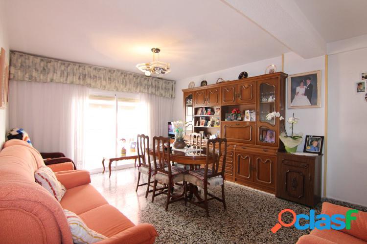 Estupendo piso en el centro de El Campello.