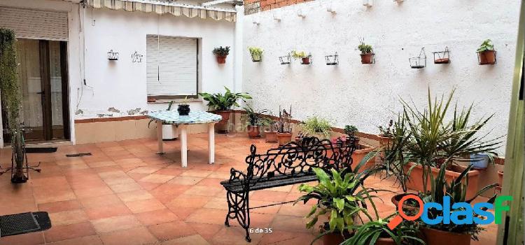 Oportunidad de casa con terraza en la zona Salut, Badalona.