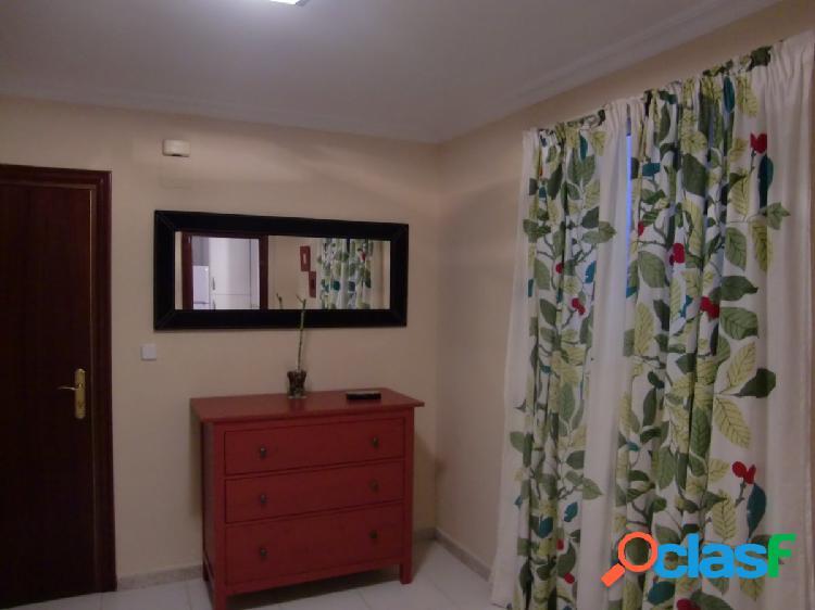 Piso de 3 habitaciones y 1 baño (AMUEBLADO) Zona: Pagés