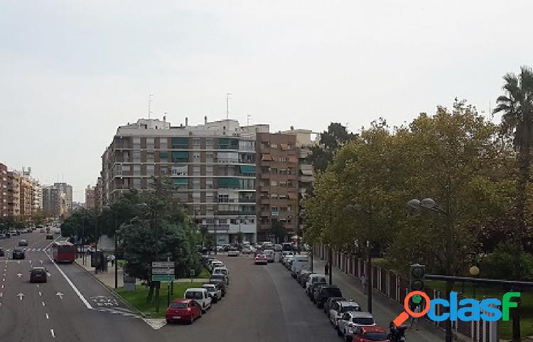 Piso en Valencia C/ Enguera (Esquina Avda. del Cid)