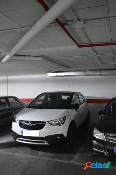 Plaza de garaje en el centro
