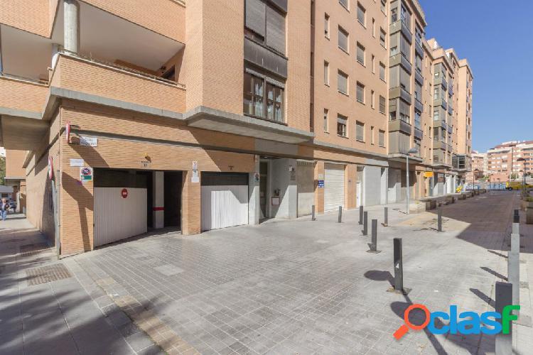 Se alquilan 2 plazas de garaje en Sierra Alhamilla (Edificio
