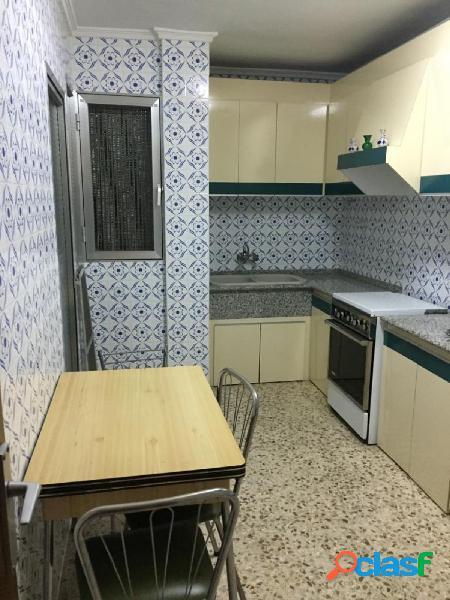 Se vende amplio piso de 4 habitaciones en Puzol