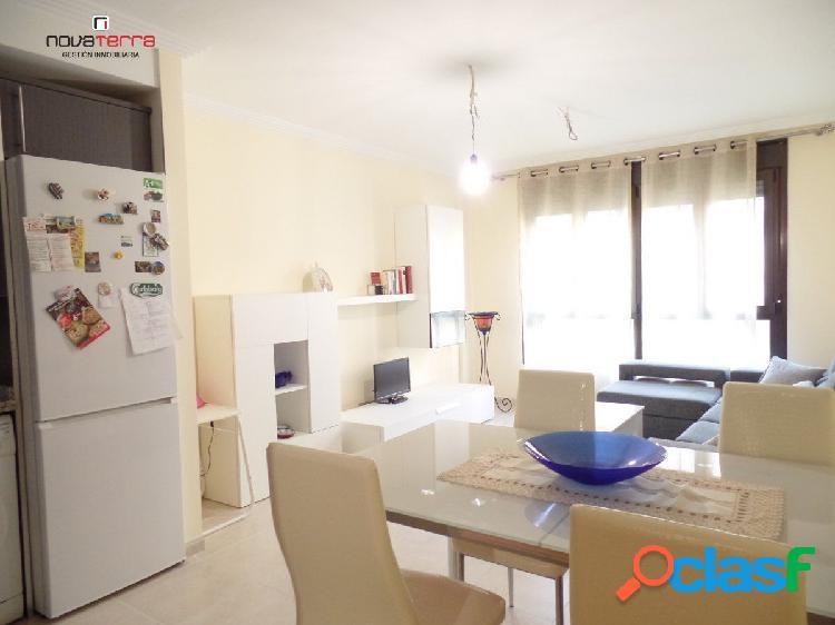 Se vende piso de 1 dormitorio, con garaje y trastero.