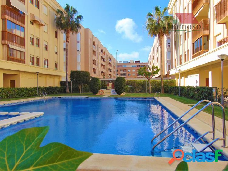 Apartamento en venta en San Juan de Alicante con garaje y