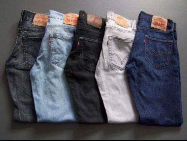 LEVIS 501 Pantalones Levis segunda mano en buen estado