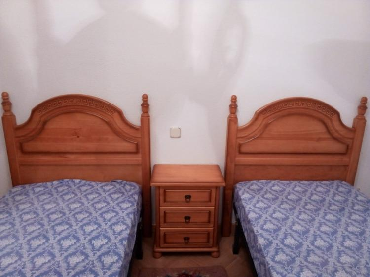Vendo dormitorio de pino macizo