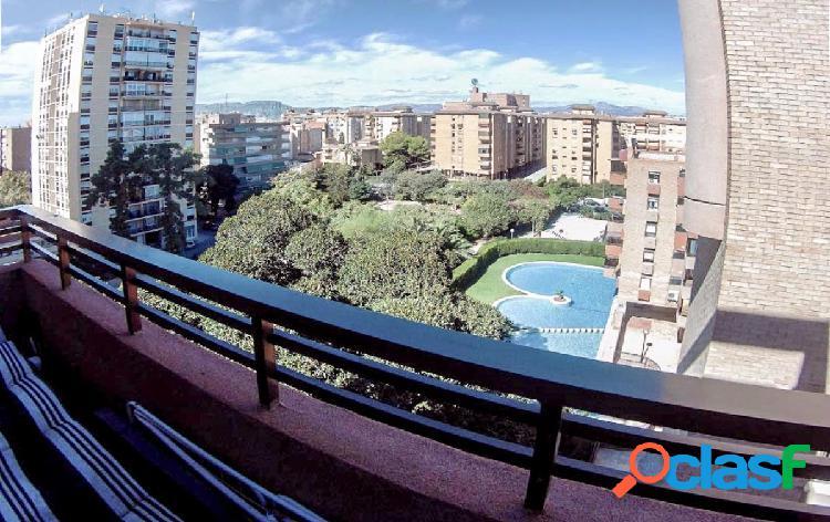 Gran piso con urbanización en zona Alipark - Babel, junto