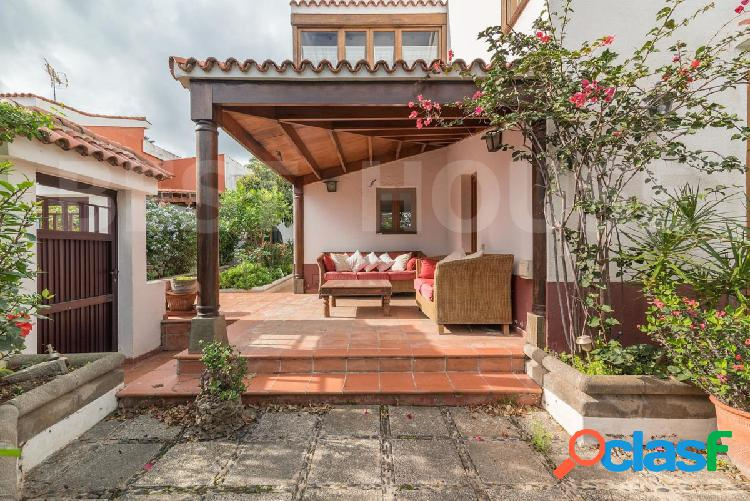 Tafira, independiente, con jardín, terraza, garaje y