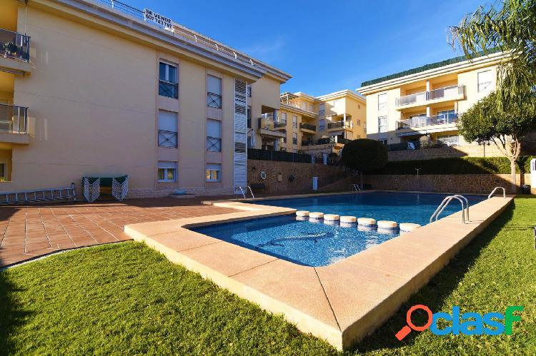 Apartamento de 3 dormitorios en Calpe, con piscina