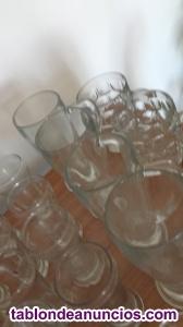 Lote de vasos,jarras y copas de varios modelos.