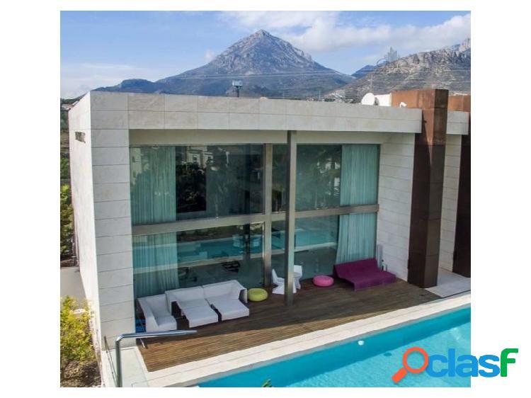 #1125 Villa de estilo moderno en La Nucia
