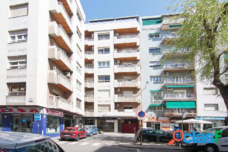 ¡ATENCIÓN! Gran piso en el centro en Calle Martínez