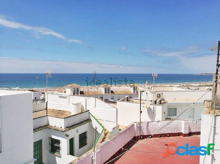 Casa de pueblo con vistas al mar en el barrio de los