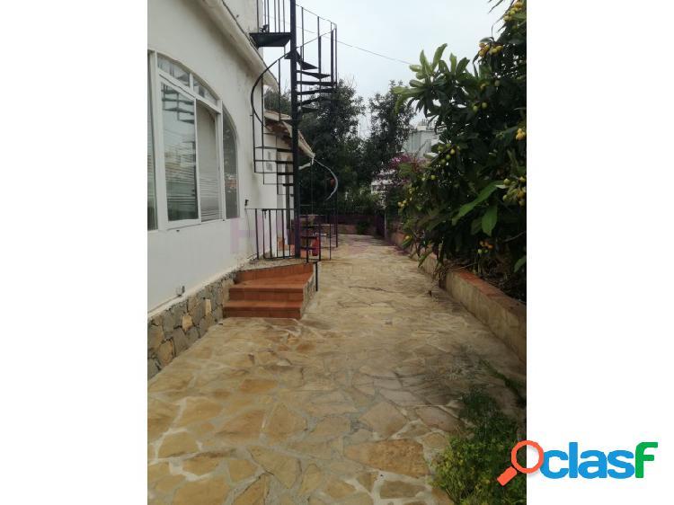 Casa unifamiliar con 3 habitaciones, 2 baños, terraza y