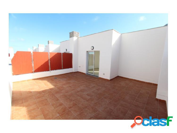 Duplex de 3 habitaciones con terraza y vistas al mar