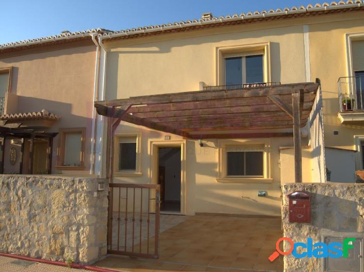 Fabuloso bungalow de 2 dormitorios, con fabuloso patio y