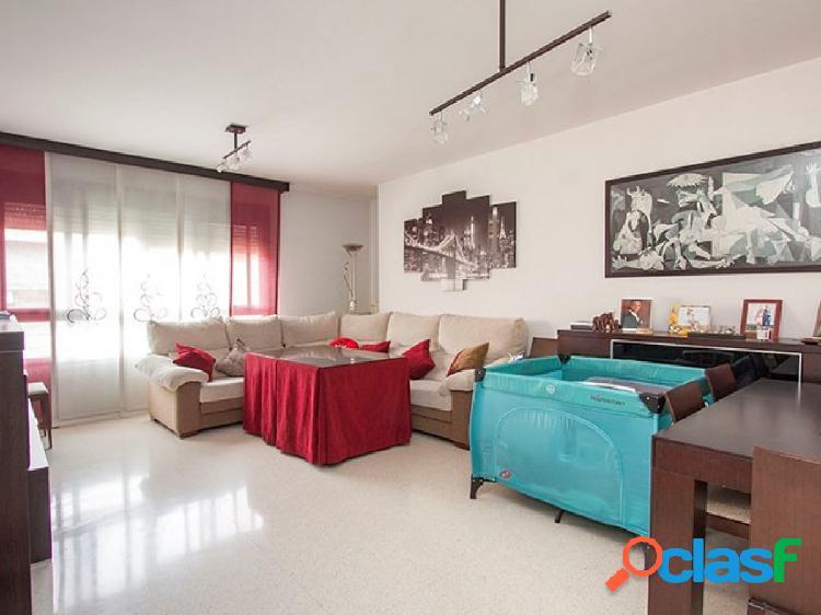 Magnifico piso en urbanización privada con piscina