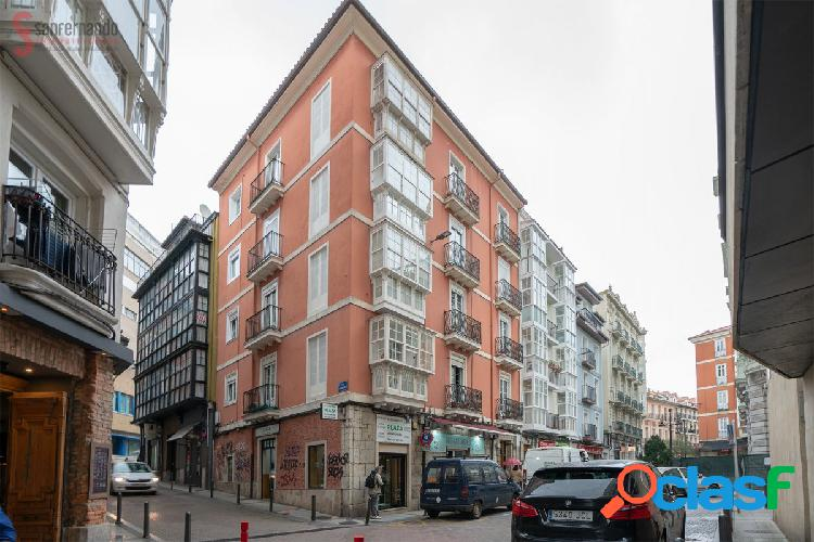 Piso de 2 dormitorios en venta en en centro de Santander