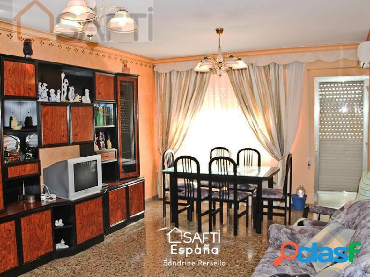 Piso de 5 habitaciones en el centro de Ondara