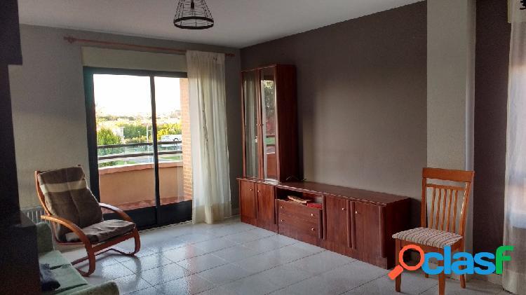 Urbis te ofrece un piso en alquiler en Teso de la Feria!