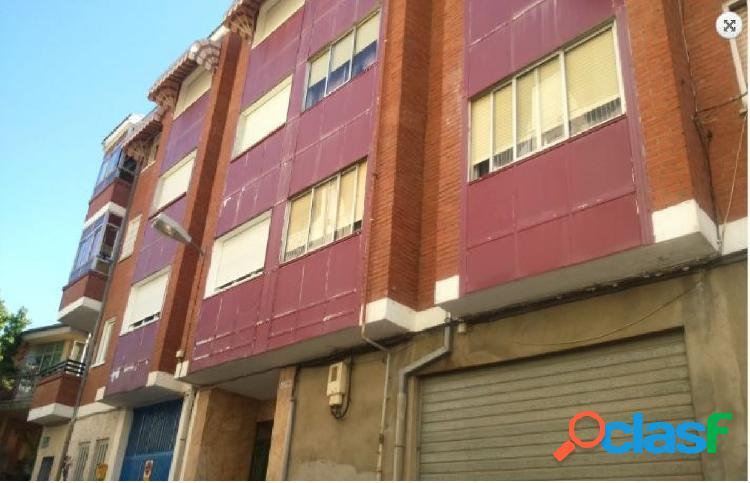 Urbis te ofrece un piso en venta en Guijuelo, Salamanca.