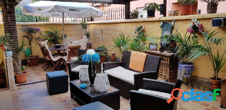 Adosada pareada junto a Estepona, consta de 2 dormitorios