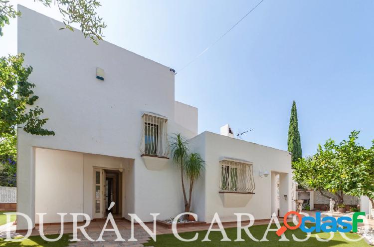 Preciosa casa unifamiliar en Los Viñedos