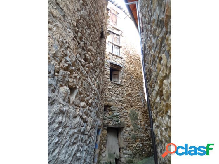 Casa de pueblo para reformar en Aren Ribagorza Huesca
