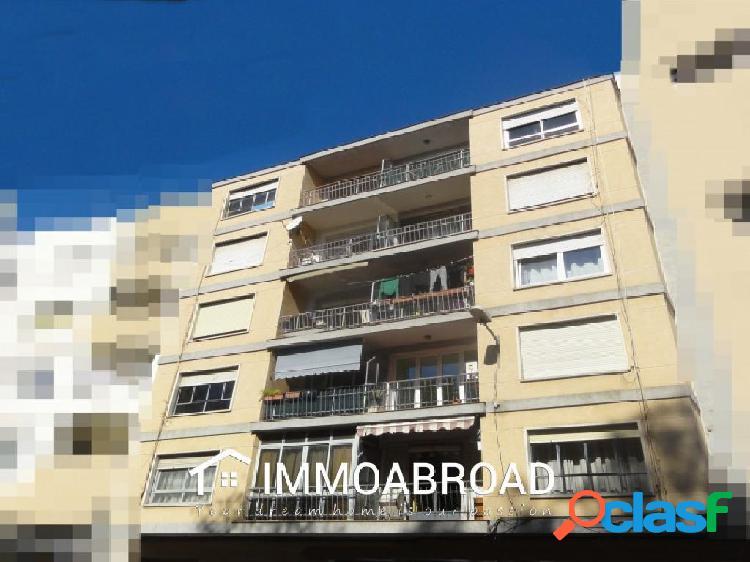 Apartamento en venta en Oliva con 4 dormitorios y 1 baños