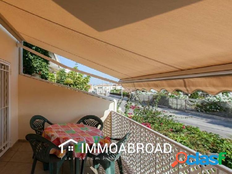 Casa en venta en Oliva con 2 dormitorios y 2 baños