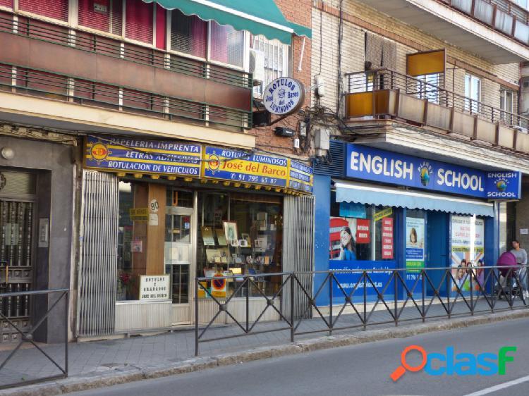 Local Comercial (Con patio) en Villaverde, Avenida Real de