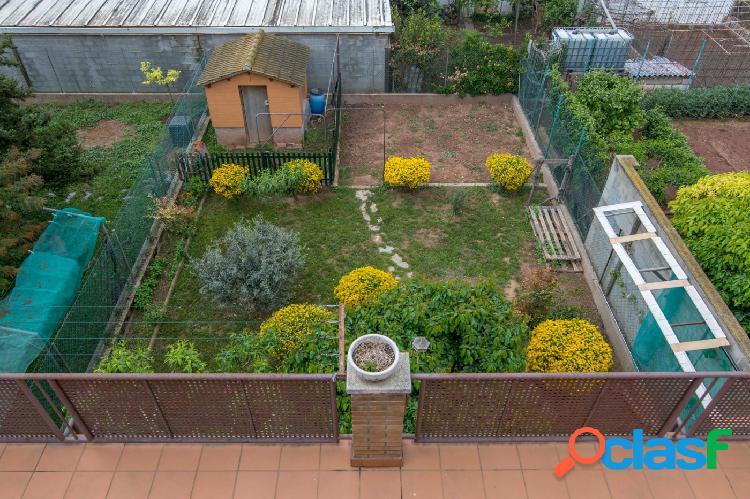 Magnífica unifamiliar con jardín de 150m2.