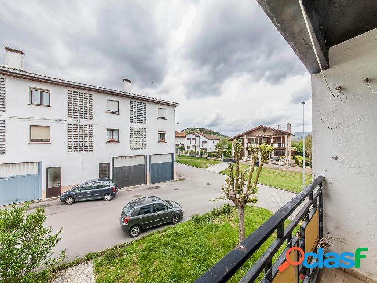 Piso en venta de 90 m² en Calle Itxesi, 31840 Uharte-Arakil