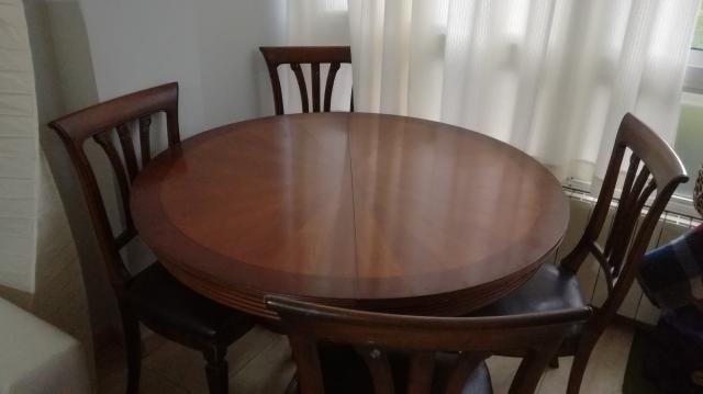 mesa de madera nombre con seis sillas