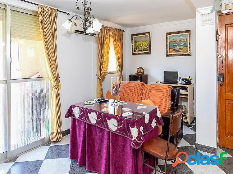 Apartamento en venta de 51m² en Calle San Vicente 8, 41440