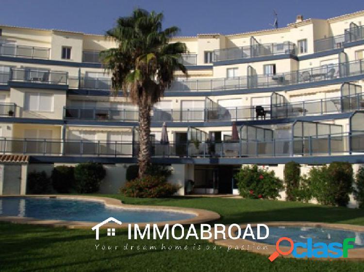 Apartamento en venta en Oliva con 2 dormitorios y 1 baños