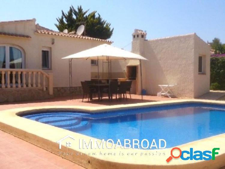 Chalet en venta en Xabia con 3 dormitorios y 3 baños
