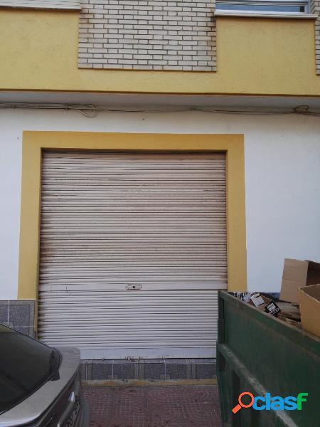 Se vende bajo comercial de 96 m2, en Puerto Lumbreras