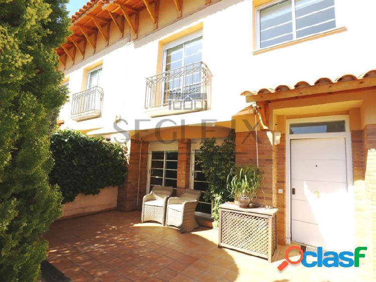 Casa adosada en Sant Andreu de Llavaneres con zona