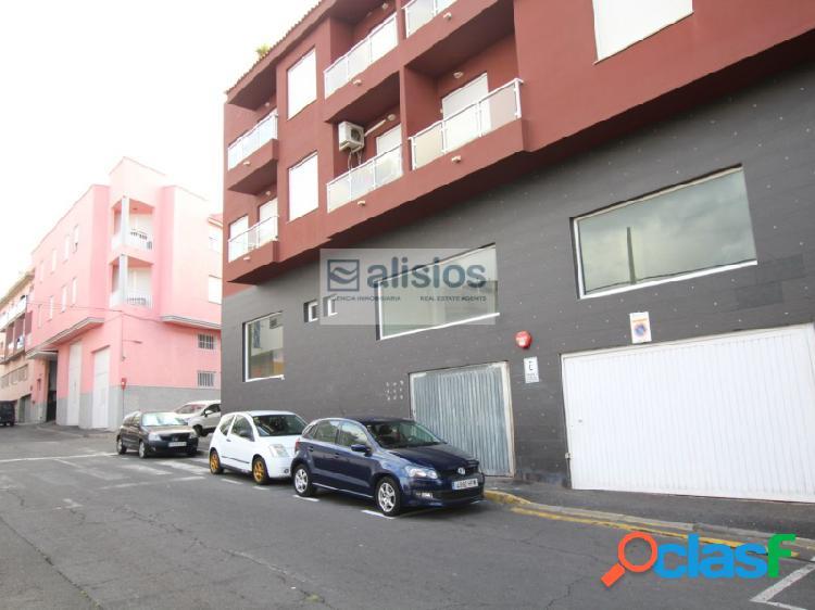 Plaza de Garaje en San Isidro
