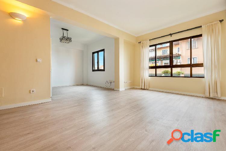 Se alquila piso reformado y luminoso, S´Escorxador, Palma.