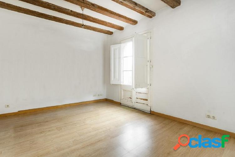 Precioso piso totalmente exterior en una de las calles más